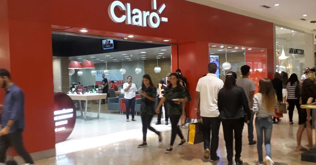 Loja-Claro-Park-Shopping-Brasilia-saida-sul-Comércio-Brasilia